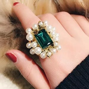 Pearl & Emerald Gold Band Ring